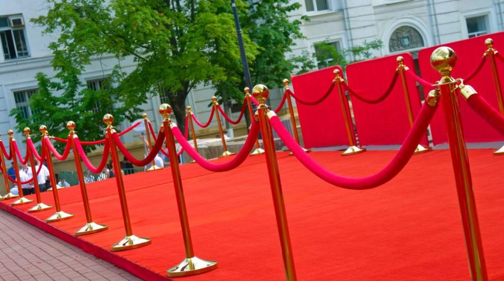 Забрана за селфита на червения килим на кинофестивала в Кан