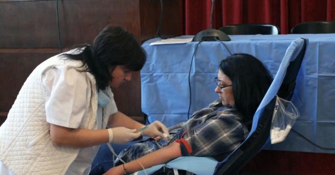 На всеки 2 секунди някой се нуждае от кръв в