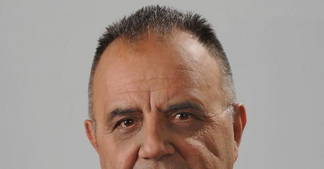 Все повече македонци ще се обявят за българи, прогнозира Божидар