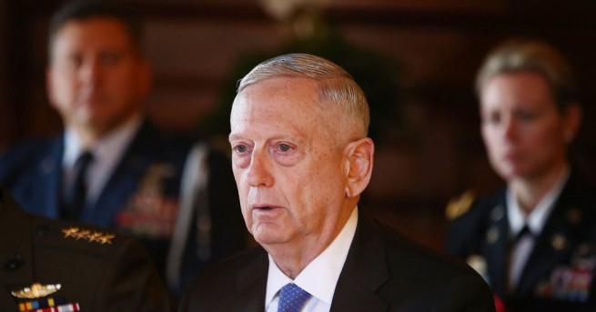 Талибаните бележат напредък в Афганистан, предупреди министърът на отбраната на