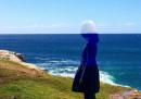Тя сякаш се слива с морето и небето (снимки)