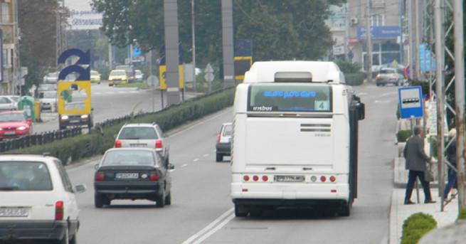 автобус от градския транспорт се запали Автобус по линия 4