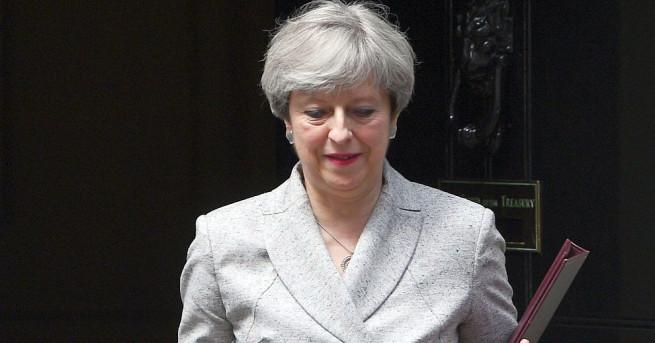 Британският премиер Тереза Мей заяви, че е дълбоко опечалена от