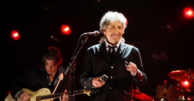 Боб Дилън, носителят на Нобеловата награда за литература за 2016