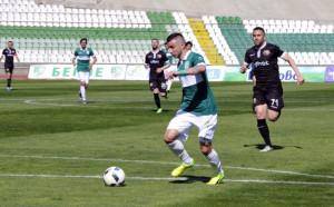 Карачанаков в Берое и през новия сезон, потвърдиха от клуба