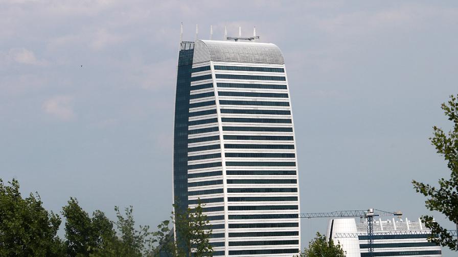 """Жители на """"Стрелбище"""" на протест срещу небостъргач"""