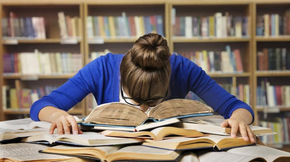 Изпити по френски и география слагат край на втората кандидатстудентска...