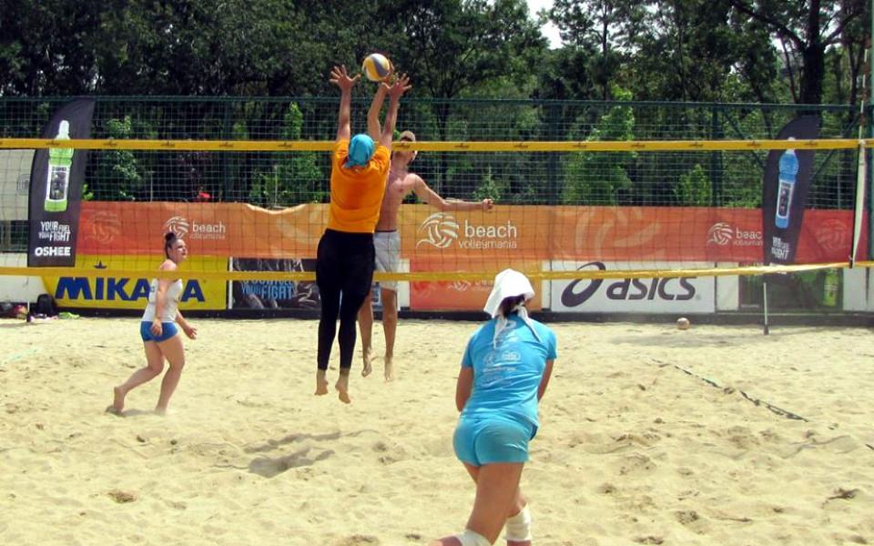 Първият турнир за смесени двойки от Beach Volley Mania 2017 предизвика голям интерес