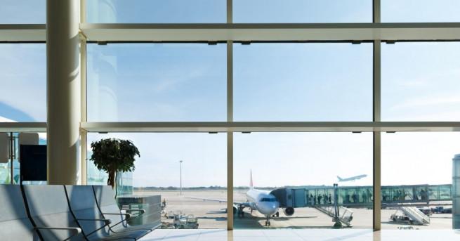 Снимка: Евакуираха летище в Щутгарт заради бомбена заплаха