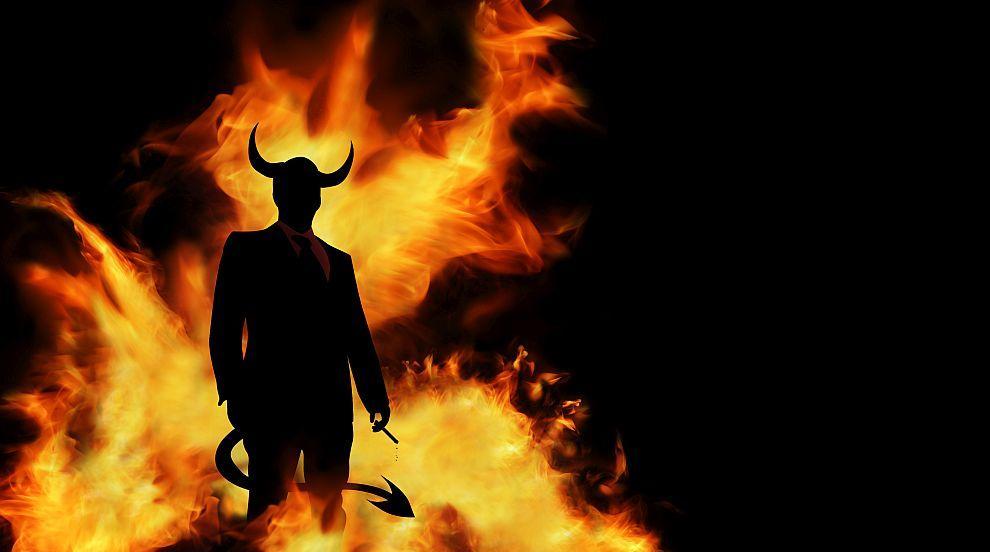 Момиче продаде душата си на дявола за 1000 евро