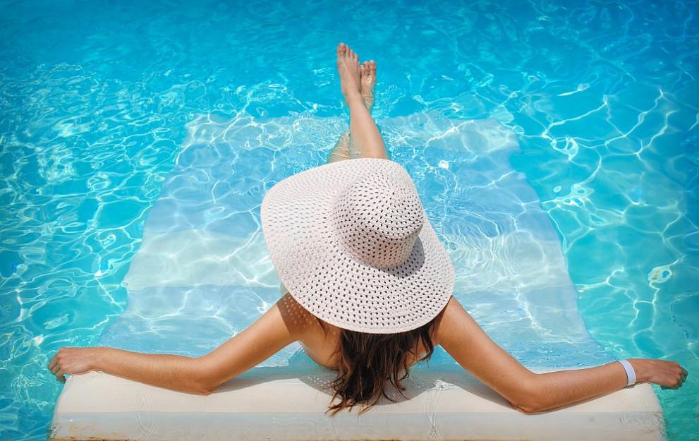 a2025c855c6 Лесен начин да разберете дали водата в басейна е мръсна - Общество ...