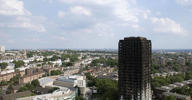 Пожарът в лондонския жилищен блок Гренфел, в който миналата седмица