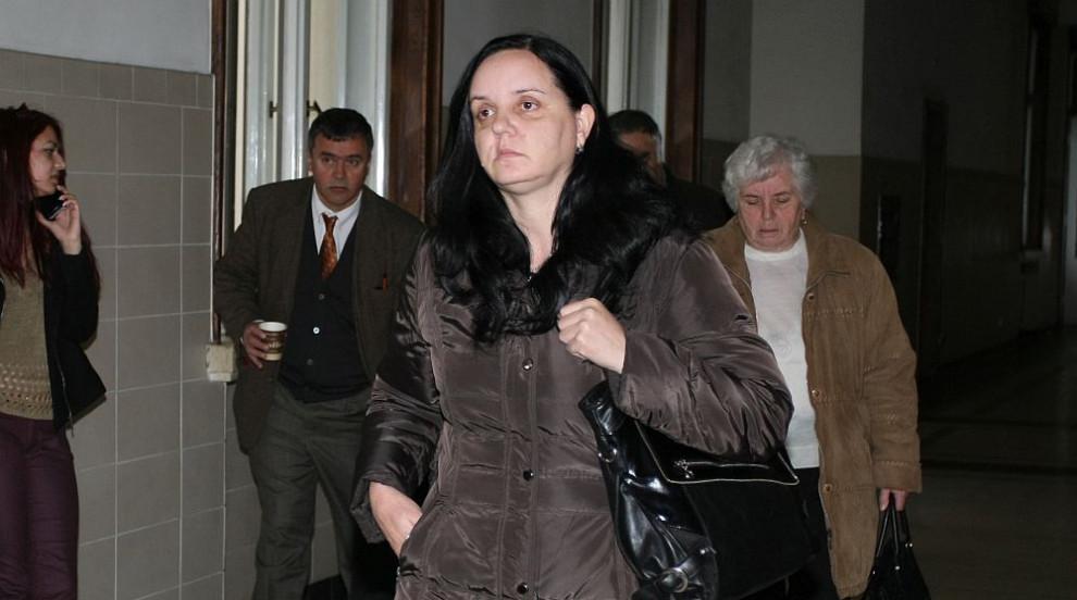 Адвокатът на Емилия Ковачева твърди, че акушерката е подложена на системен...