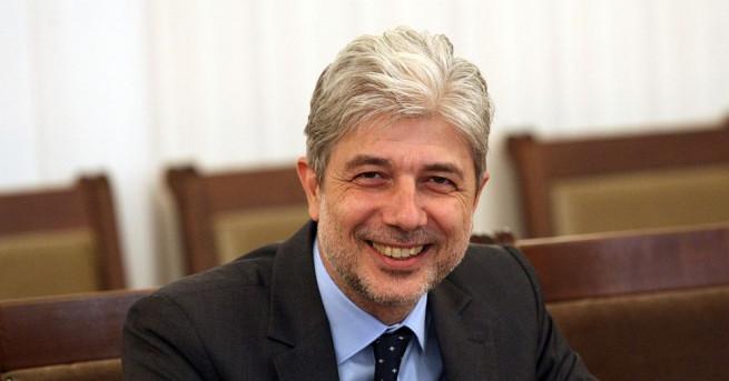 Министърът на околната среда и водите Нено Димов е поискал