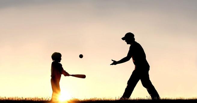 Британски и американски учени доказаха, че синовете на възрастните бащи