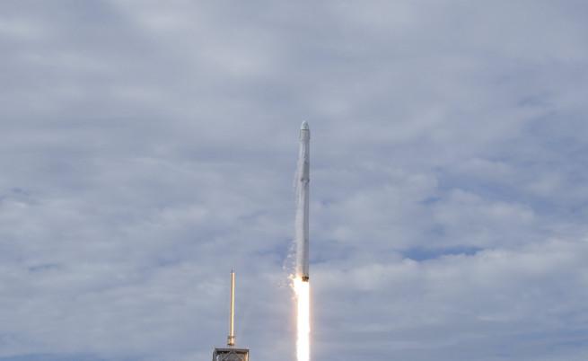 Мъск иска SpaceX да използва една ракета два пъти за 24 часа