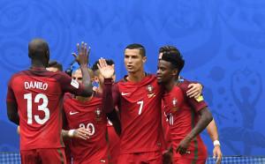 Португалия спечели група А, Роналдо с нов рекорд