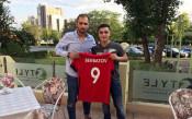 Български национал с 4 гола за Шефилд Уензди