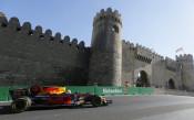 Триумф за Ред Бул в лудо състезание по улиците на Баку