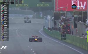 Пълна бъркотия в Баку, победа за Рикардо, подиум за Строл