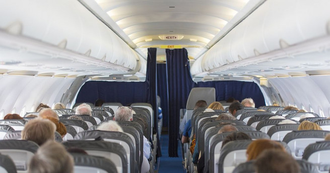 Снимка: Заради суеверна баба евакуираха 150 пътници от самолет