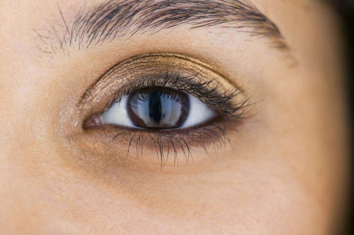 5. По-добро зрение - американско изследване доказва, че яйцата са богати на веществото лутеин. То спомага за по-ясно и остро зрение.При недостиг се натрупват разрушителни промени в очните тъкани, което влошава зрението.