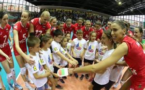 Волейболните националки се хвърлят в битка за Финалната четворка