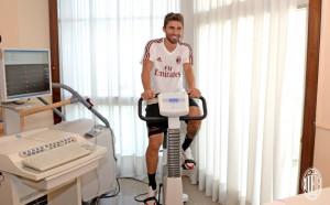 Борини вече минава прегледи в Милан