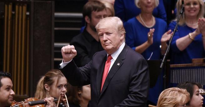 Президентът на САЩ Доналд Тръмп поднови вчера своята