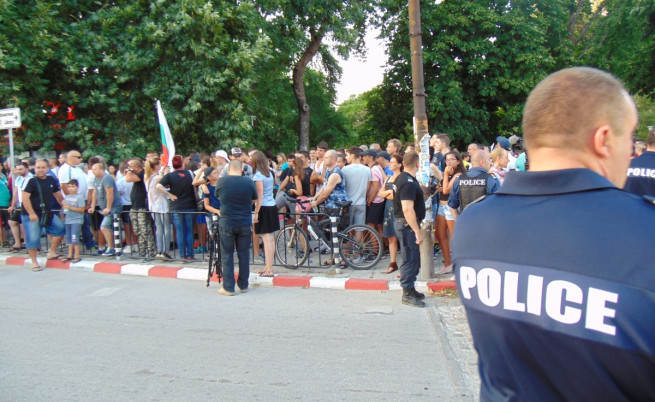 Хиляди се събраха на най-големия протест в Асеновград