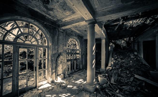 4 страховити и изоставени имения (снимки)