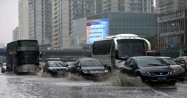 Поройни дъждове се изляха над Южен Китай от последните дни