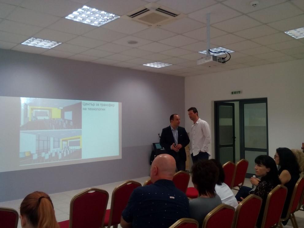До края на 2019 г. въвеждат облачните платформи във всички училища в Пловдив