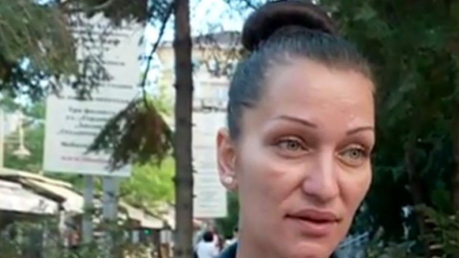 Майката на една от обвиняемите - Юлия