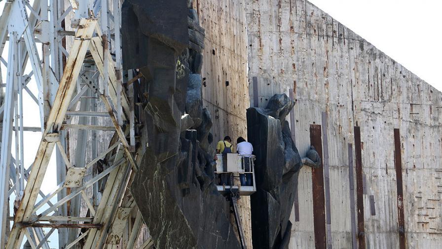 Ето къде отиват скулптурите от паметника пред НДК