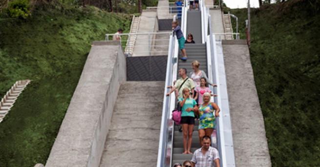 Във ваканционно селище Албена бяха пуснати в експлоатация три ескалатора,