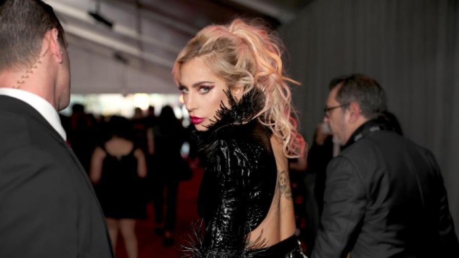 Лейди Гага с нова визия, вижте как боядиса косата си