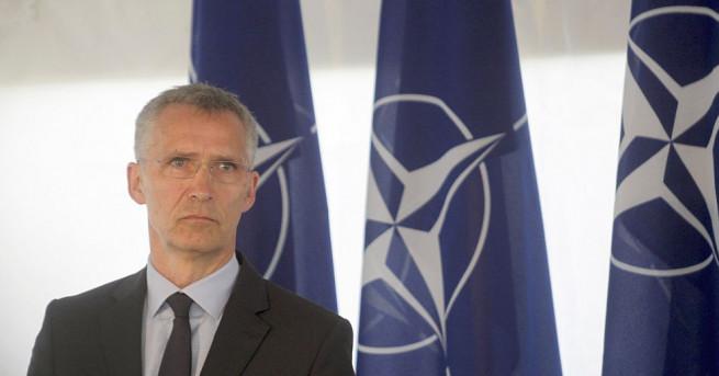 Генералният секретар на НАТО Йенс Столтенберг призова Северна Корея да