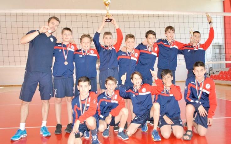 """Волейболна академия """"Стойчев-Казийски"""" с първи медал"""
