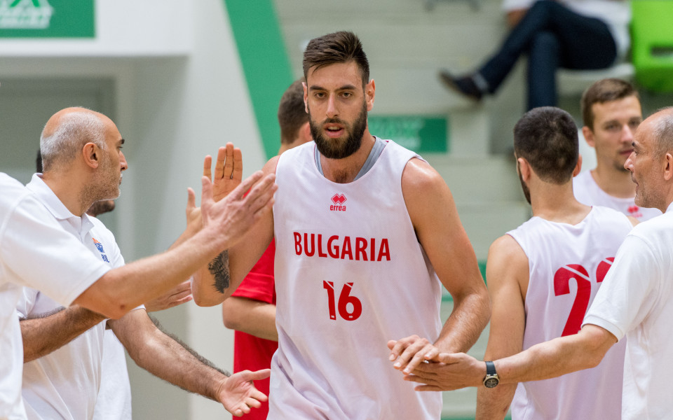Вангелов с 8 точки и 4 борби при загуба на Пиаченца