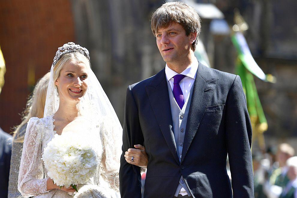 Принц Ернст-Аугуст се ожени в семейното имение на династията Хановер за руската модна дизайнерка Екатерина Малишева, въпреки несъгласието на баща си