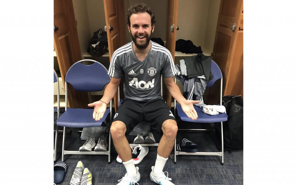 Кой е с най-големите крака в лагера на Ман Юнайтед?!