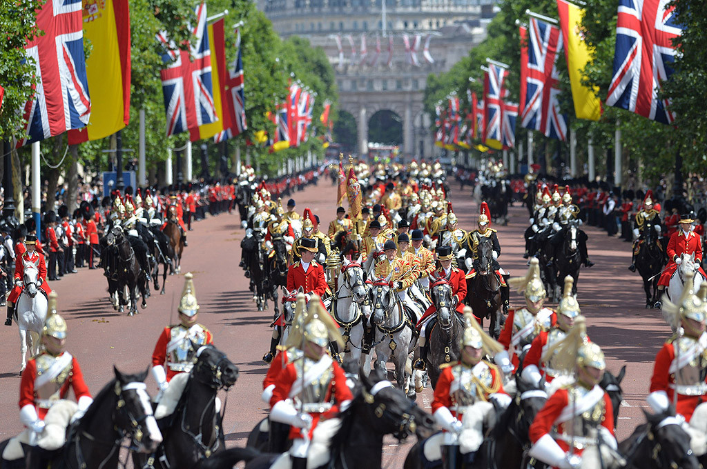Image result for king of spain visit parade