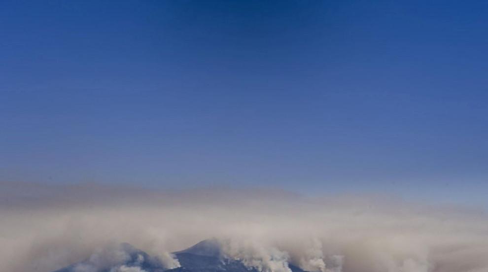 Пожари в Южна Италия, пламъци са обхванали и склоновете на Везувий