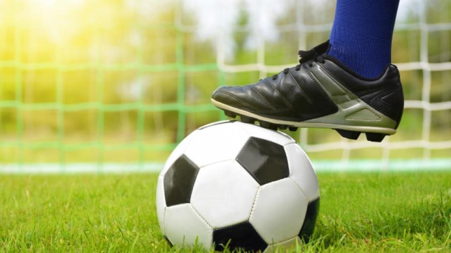 Младеж почина докато играеше футбол