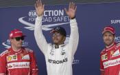Хамилтън с полпозишън у дома си, на крачка от изравняване на рекорд на Шумахер