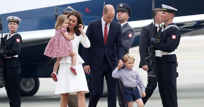 Британският принц Уилям и съпругата му Кейт започнаха от Варшава