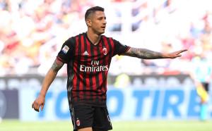Лападула плати част от трансферите на Милан, подписа с Дженоа