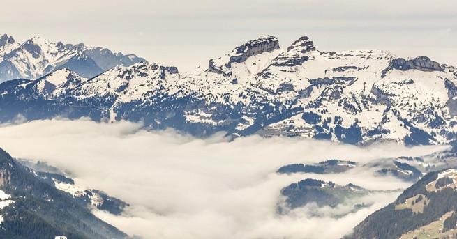 Снимка: Откриха две перфектно запазени тела в топящ се ледник в Швейцария