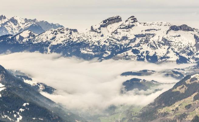 Откриха две перфектно запазени тела в топящ се ледник в Швейцария